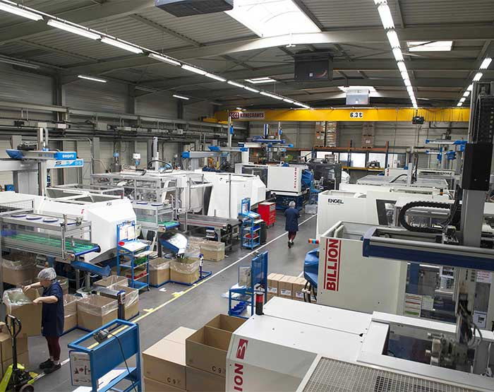Die casting workshop and a plastics workshop in Oyonnax, France
